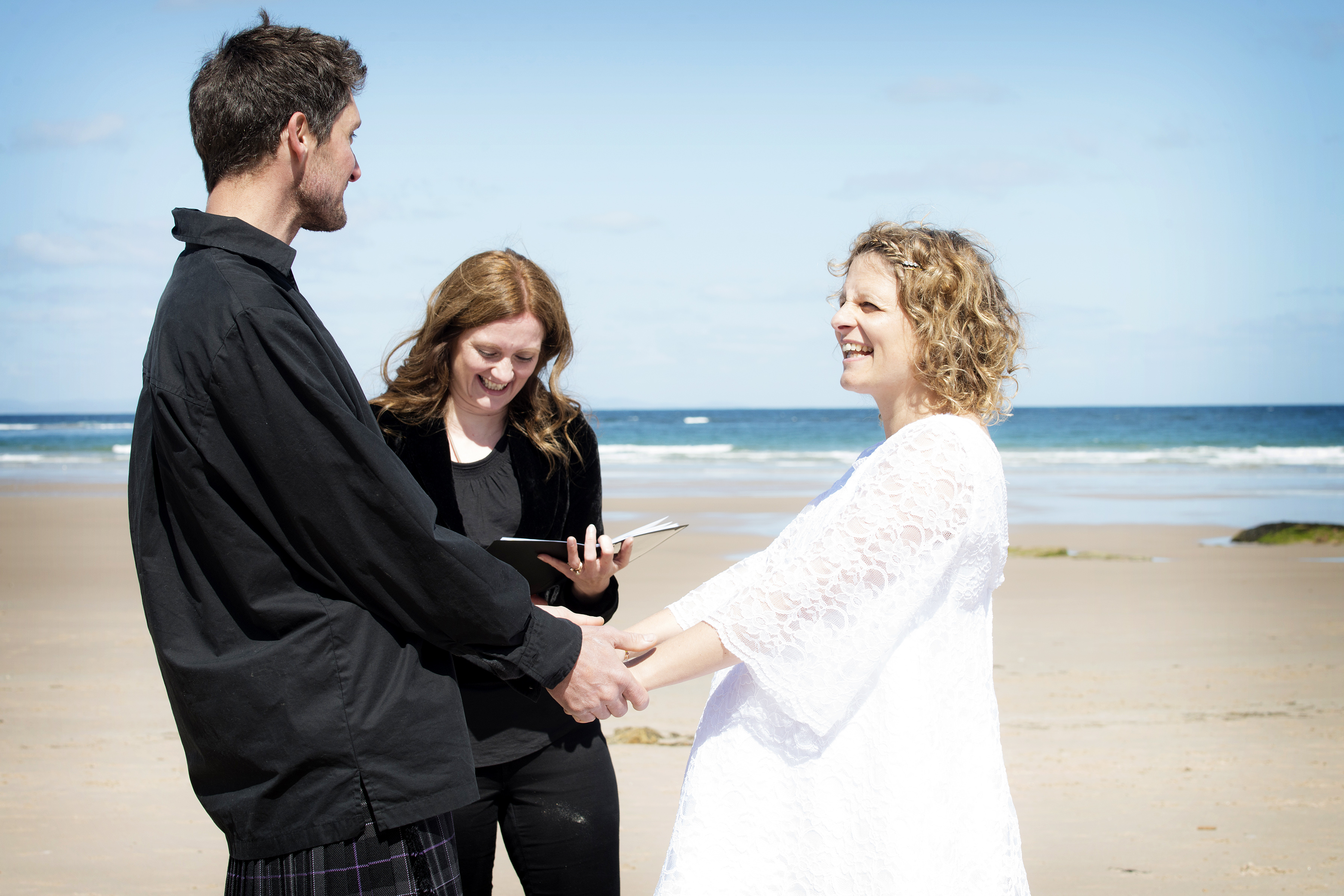 handcrafted ceremonies wedding celebrant humanist wedding elgin moray